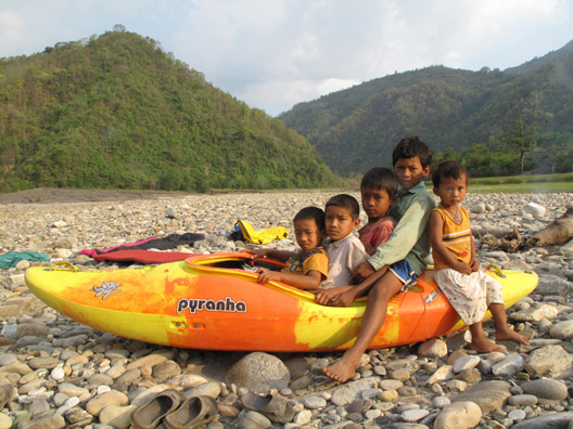 Kayaking Nepal How many in a boat